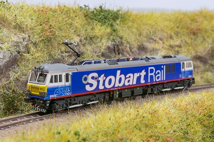 hm165_kmrc_revolution_trains_92