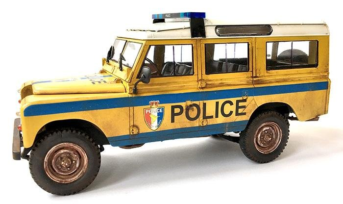 Revell Land Rover