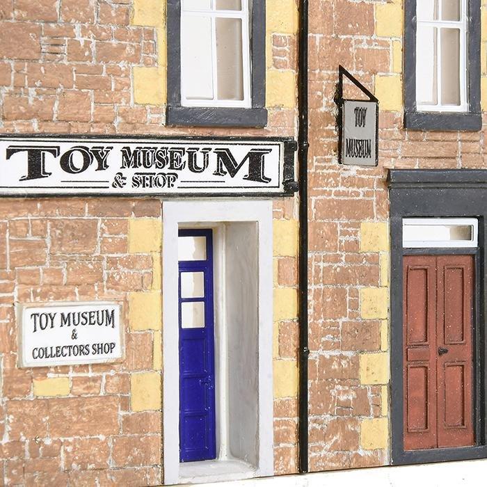hm169_bachmann_toy_museum_lr1