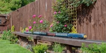 O gauge garden railway