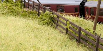 HM162 Woodland Scenics fencing