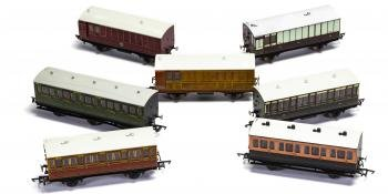 HM164 Hornby carriages