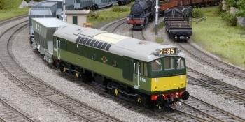 HM167 Heljan Class 25