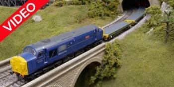 HM168 Trains 4U Warflat wagons